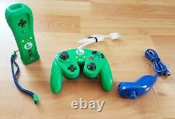 Luigi Themed Nintendo Wii Remote Hori Fight Pad Nunchuck Controller Bundle