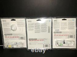 Télécommande Officielle Nintendo Wii Avec La Nonne Chuck, Et Le Contrôleur Blanc Classique. Nouveau